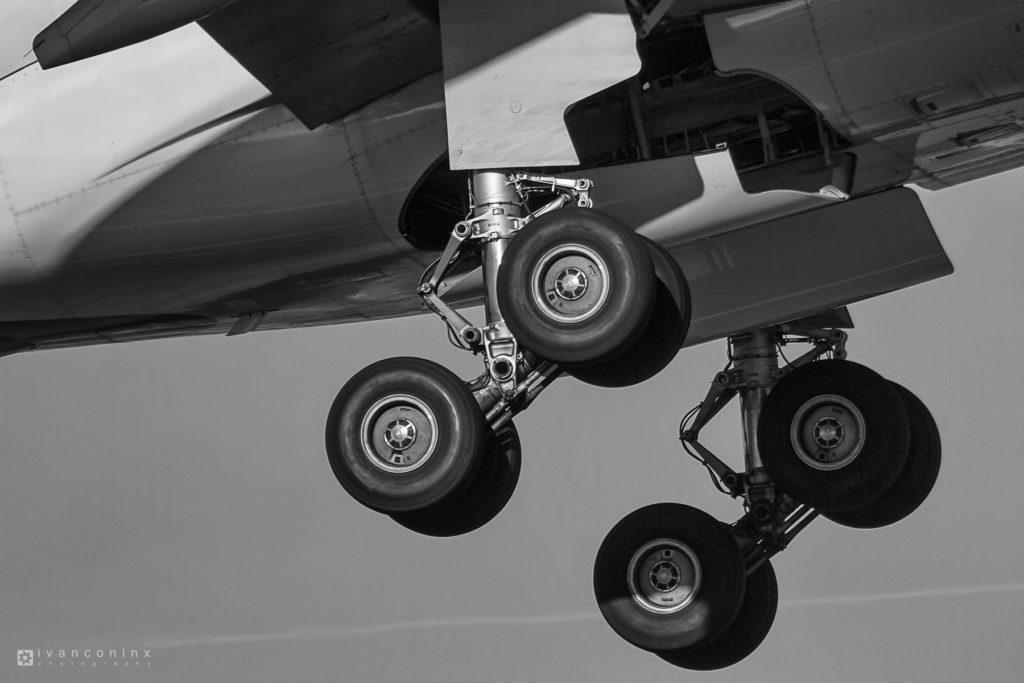 2016-11-29-Brussels-Airlines-OO-SFU-Landing-Gear-01-1024x683.jpg